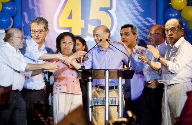 Na fotomontagem da Falha de S.Paulo: Alberto Goldman, Otavinho Frias, Bárbara Gancia, Zé Serra, Dimenstein, Alckmin e Gilmar Mendes